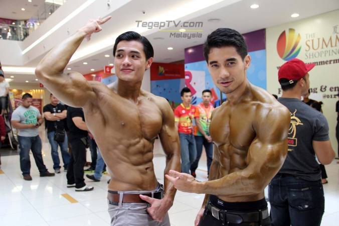 Mohd Razeaf (right) Winner and Muhamad Firdaus (left) First Runne-up of Body Physique Above 170cm category